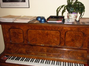 image-ronisch-piano-for-sale-02