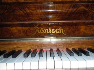 image-ronisch-piano-for-sale-03